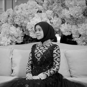 Ngunduh Mantu, Lesti Kejora Pakai Gaun yang Dirancang Kilat oleh Ivan Gunawan