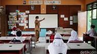 Dukung PTM, Pemda Diminta Percepat Tuntaskan Vaksinasi Pendidik