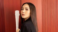 Gaya Nagita Slavina Pakai Jaket Rp 65 Juta yang Bikin Netizen OTW Pingsan