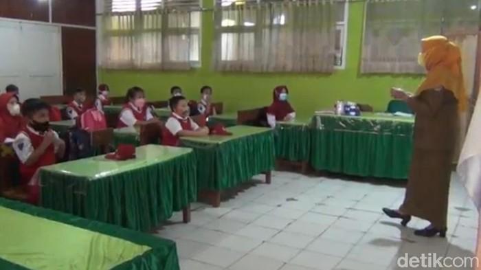 Pembelajaran tatap muka di Kota Kendari, Sulawesi Tenggara. (Sitti Harlina/detikcom)