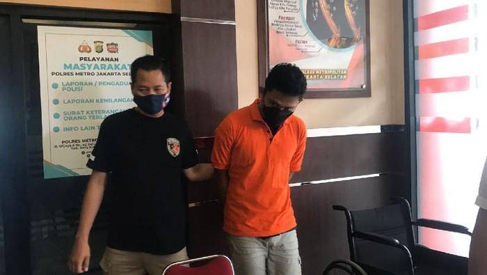 Polisi merilis kasus pembunuhan wanita telanjang di hotel Cilandak, Jaksel