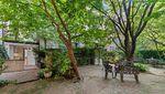 Unik atau Aneh? Rumah Sempit Lebar 2,8 Meter Dijual Rp 13 Miliar