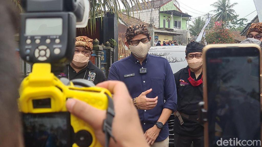 Saat Emak-emak di Desa Wisata Sukabumi Doakan Sandiaga Jadi Presiden