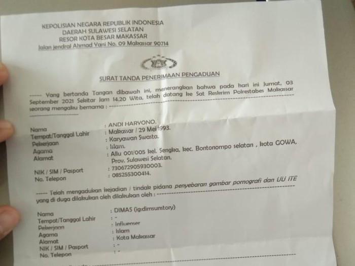 Selebgram Makassar dipolisikan karena membuat konten pornografi. (Hermawan/detikcom)