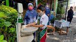 Serba-serbi Hari Pertama Pelaksanaan Sekolah Tatap Muka di Surabaya