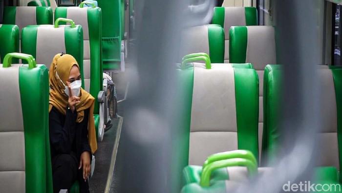 PT. KAI memberlakukan tarif Rp 0 untuk KA Bandara Yogyakarta International Airport (YIA) di Kulon Progo, DIY. Pengguna moda transportasi ini pun meningkat.