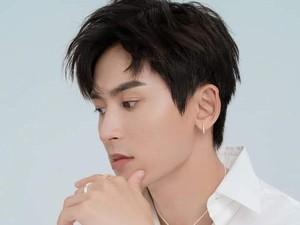 10 Fakta Zhang Zhehan, Aktor yang Dihujat karena Foto Bareng Dewi Soekarno