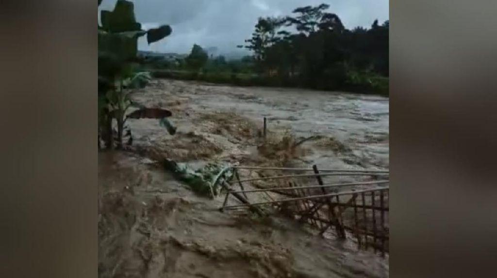 Banjir Bandang di Bogor: 12 Rumah Rusak dan 32 KK-1 Pesantren Terdampak
