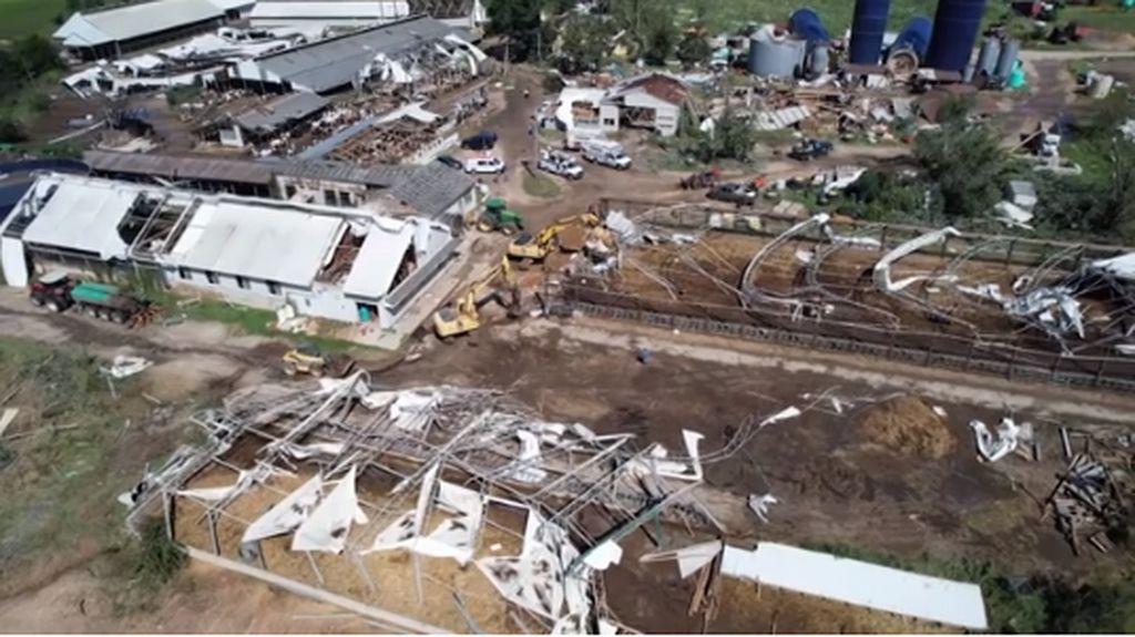 Melihat dari Langit Dampak Dahsyatnya Badai Ida Hancurkan Peternakan AS
