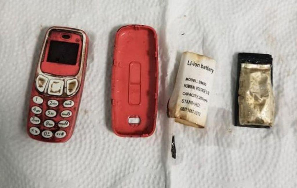 Ponsel yang ditemukan di perut pria