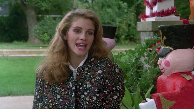Julia Roberts saat tampil di Steel Magnolias (1989)