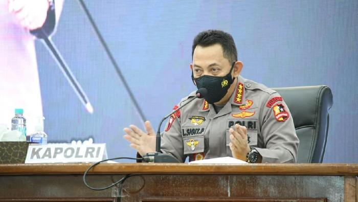 Kapolri Jenderal Listyo Sigit Prabowo memberikan pengarahan terkait menarik minat warga untuk isoter di Kalbar.