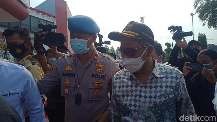 Menko Polhukam Mahfud Md meninjau lokasi kebakaran di Lapas Kelas I Tangerang
