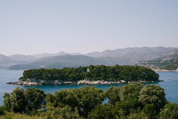 Pulau ini bernama Daksa, lokasinya di Kroasia.(Getty Images/iStockphoto)