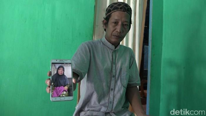Seorang TKW asal Polman, Sulbar, sempat kabur dari rumah majikan di Dubai karena digaji kurang. Dia juga sempat ditahan dan dimintai tebusan oleh agen (Abdy/detikcom)