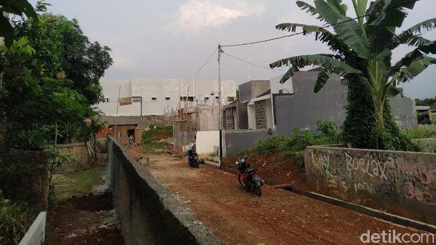 Tembok di Kampung Bulak, Serua, Tangsel, 8 September 2021. (Athika Rahma/detikcom)