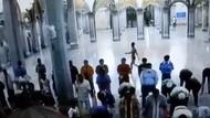Pria Telanjang Dada Teriaki Jemaah Masjid di Cilegon Akan Dibawa ke Jateng