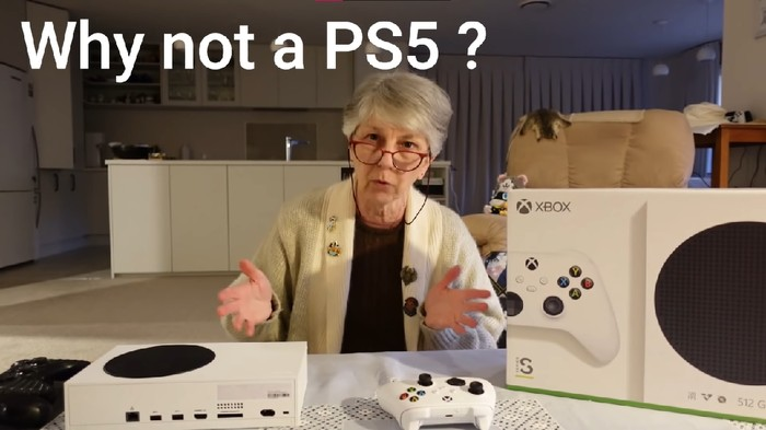 Nenek Ini Lebih Memilih Xbox Series S Dibandingkan PS5