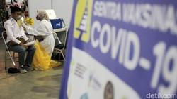 Kasus COVID-19 di beberapa wilayah di Indonesia mengalami penurunan. Namun bukan berarti virus Corona sudah hilang karena kita masih berperang melawan COVID-19.