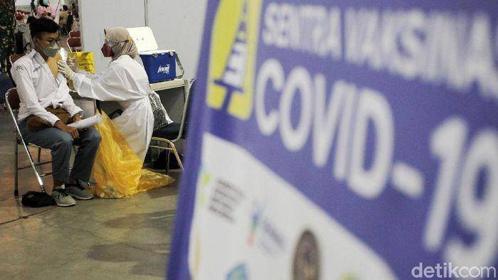 Kasus COVID-19 di beberapa wilayah di Indonesia, khususnya DKI, mengalami penurunan. Namun bukan berarti virus Corona sudah hilang karena kita masih berperang melawan COVID-19.