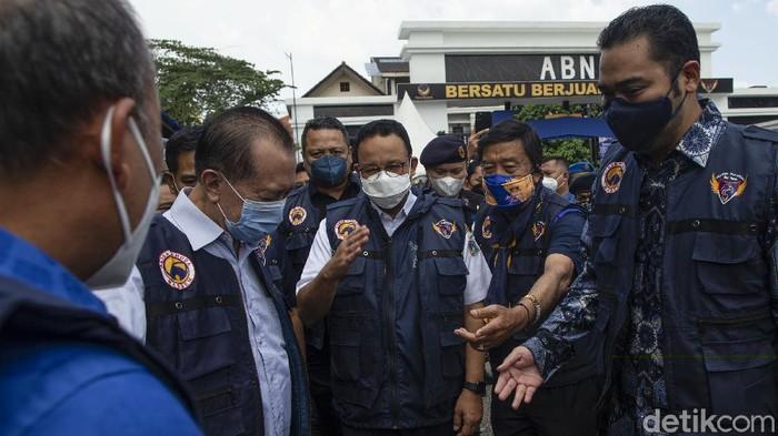 Gubernur DKI Jakarta Anies Baswedan berharap 2,7 juta warga DKI segera melaksanakan vaksinasi agar kekebalan komunal (herd immunity) dapat segera terbentuk.