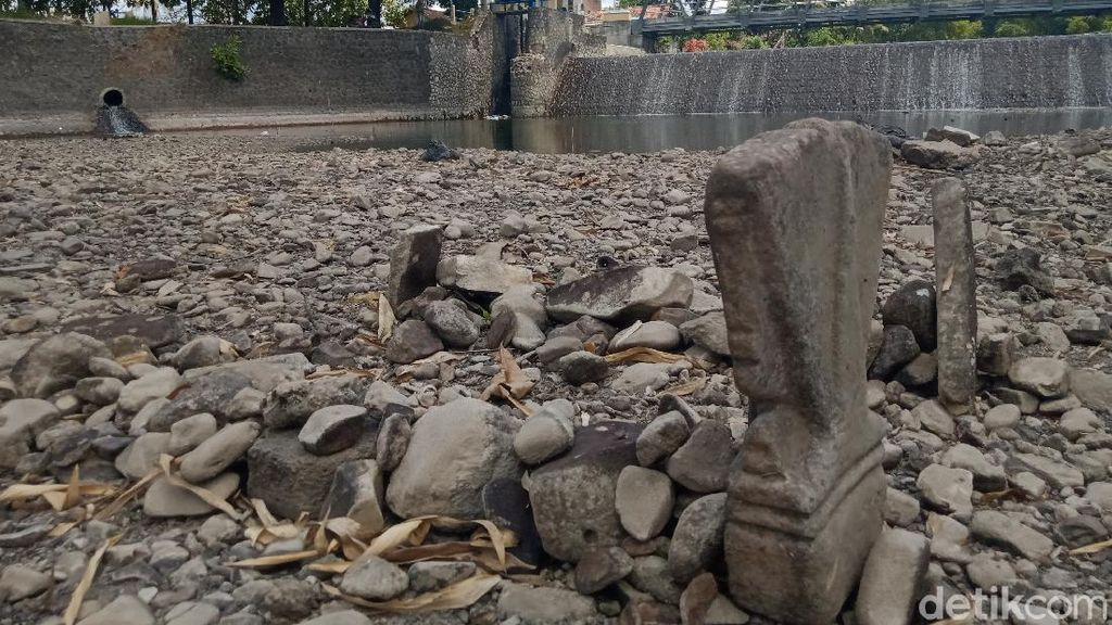 Geger 2 Gundukan Mirip Makam di Tengah Anak Sungai Bengawan Solo di Klaten
