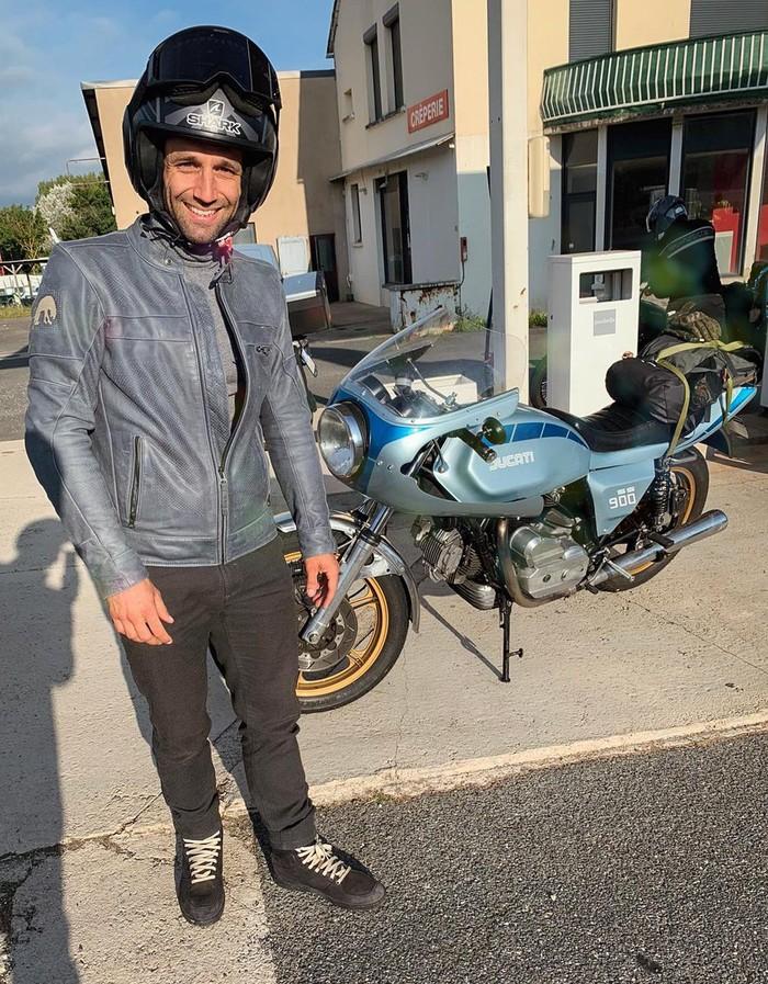 Johann Zarco Touring Naik Motor Jadul