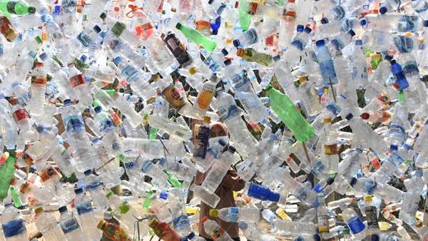 Selain itu museum ini juga dibuat untuk mengurangi sampah plastik di sungai.