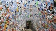 Karya Kreatif Museum Plastik di Gresik