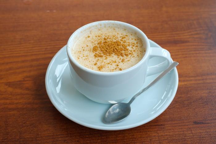 Minuman racikan kopi campur kunyit bermanfaat untuk tubuh, salah satunya bisa meningkatkan imunitas tubuh.