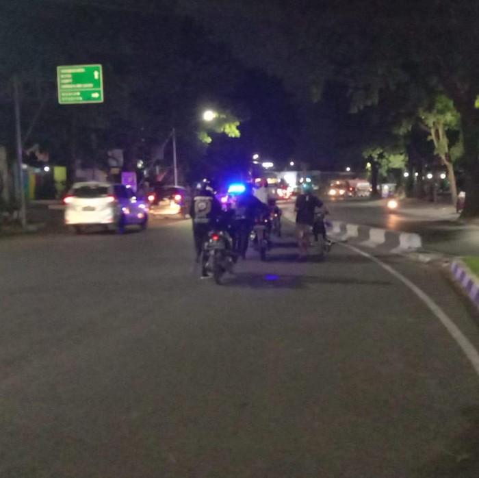 Penertiban knalpot brong semakin gencar dilakukan di Kota Malang. Sudah ada puluhan motor dengan knalpot tak standar yang ditindak.