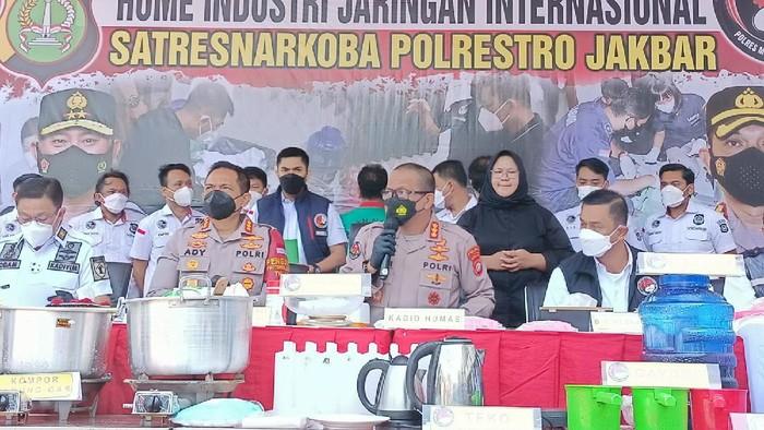 Polres Jakbar bongkar pabrik sabu di Tangerang