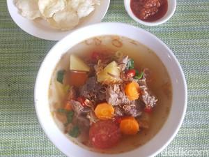Resep Sop Janda Daging Sapi Kuah Bening yang Pedas Segar