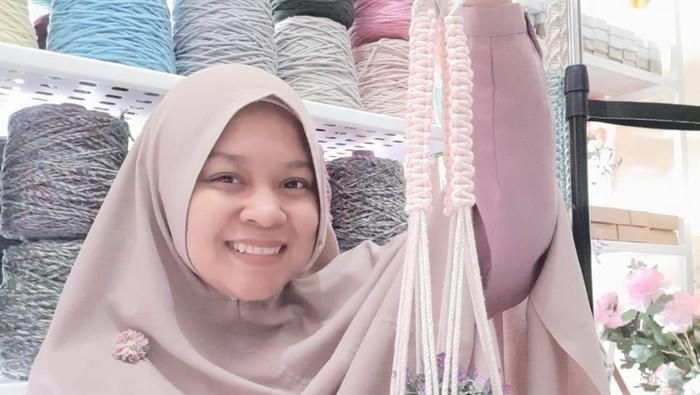 Resign dari BUMN, Ibu Muda Ini Jual Aksesoris Beromzet Rp 500 Juta