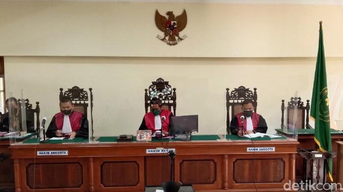Suasana sidang putusan warga terdampak Bendungan Bener di PN Purworejo, Kamis (9/9/2021)