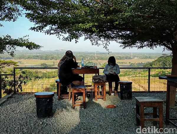 Pengunjung yang datang berasal dari berbagai daerah sekitaran Kulon Progo. (Jalu Rahman Dewantara /detikcom)