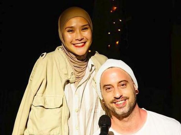 Zaskia Adya Mecca dan Dave Moffatts
