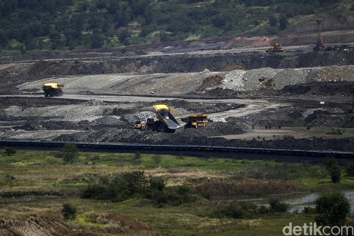 Tak cuma di Kalimantan, Sumatera Selatan juga punya tambang batu bara. Tak tanggung-tanggung, tambang batu bara di Sumsel ini punya cadangan hingga 3 miliar ton