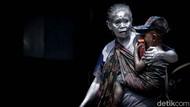 Nenek Mumun, Manusia Silver yang Gendong Cucu di Perempatan Tangsel