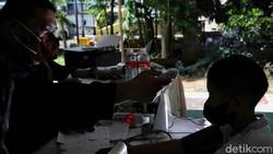 Program vaksinasi COVID-19 terus digencarkan di kawasan Sunter, Jakarta Utara. Diketahui, target pemberian vaksin di Sunter Agung pun hampir mencapai 100 persen