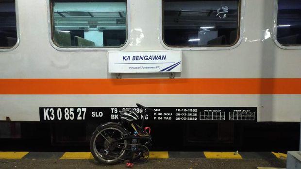 Gowes Seli ke Stasiun Pasar Senen dengan KA Bengawan