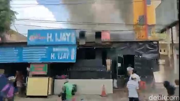 Kebakaran rumah makan di Samarinda