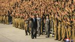 Hadiri Parade Militer Korut, Tubuh Kim Jong-Un Jadi Sorotan