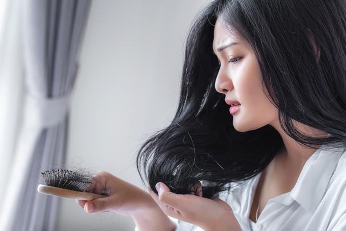 Makanan untuk mengatasi rambut rontok, harus dikonsumsi secara rutin