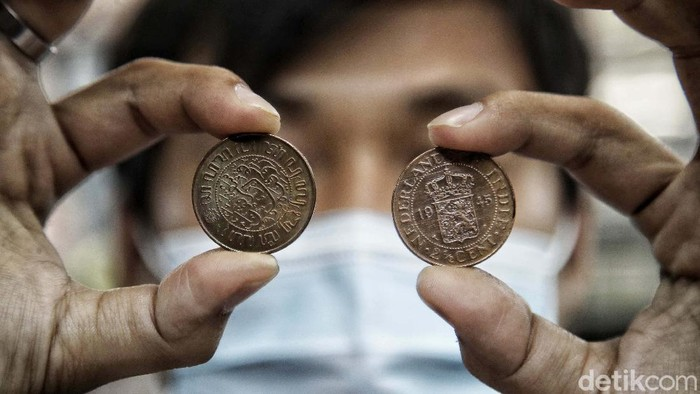 Uang kuno banyak diburu untuk kebutuhan mahar atau kolektor. Jika anda ingin mendapatkanya, datanglah ke kawasan pertokoan Pasar Baru, Jakarta Pusat.