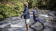 Di Kenya, Memancing Dianggap Hobi yang Terlalu Kulit Putih