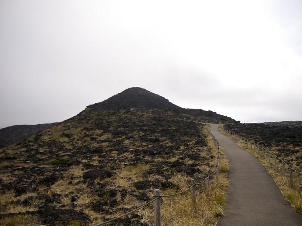 Di pulau ini terdapatGunung Mihara yang merupakan gunung berapi paling aktif di Jepang dan tingginya hanya 764 mdpl. (Getty Images/iStockphoto)