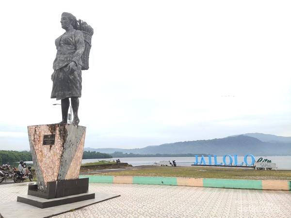 Patung Saloi Berdiri Megah di Jailolo City