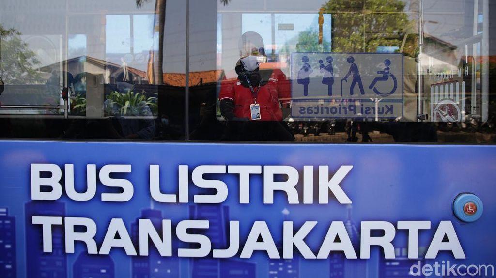 Foto: TransJakarta Uji Coba 1 Bus Listrik