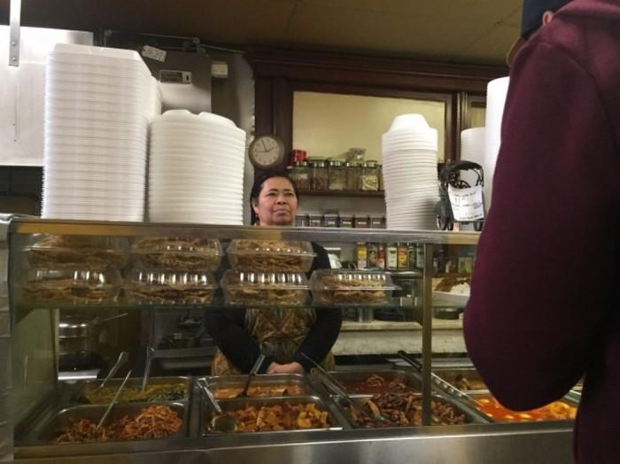 Kisah Warung Makan Surabaya yang Jadi Favorit di Amerika